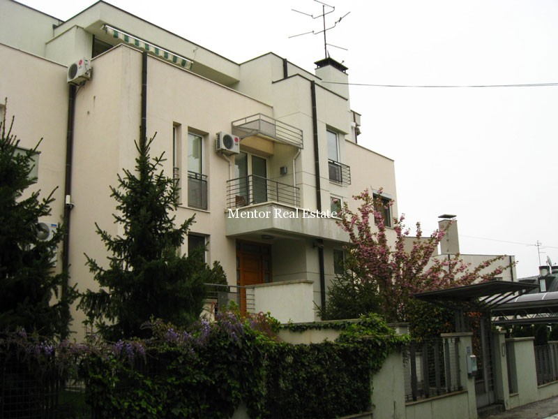 Dedinje 600sqm house for rent with swimming pool - Houses with swimming pools for rent ...
