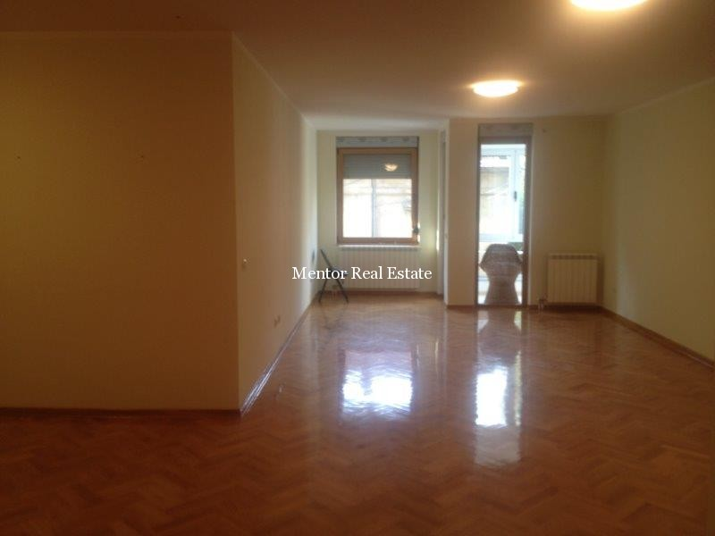 Vračar 108sqm apartment for rent  (1)