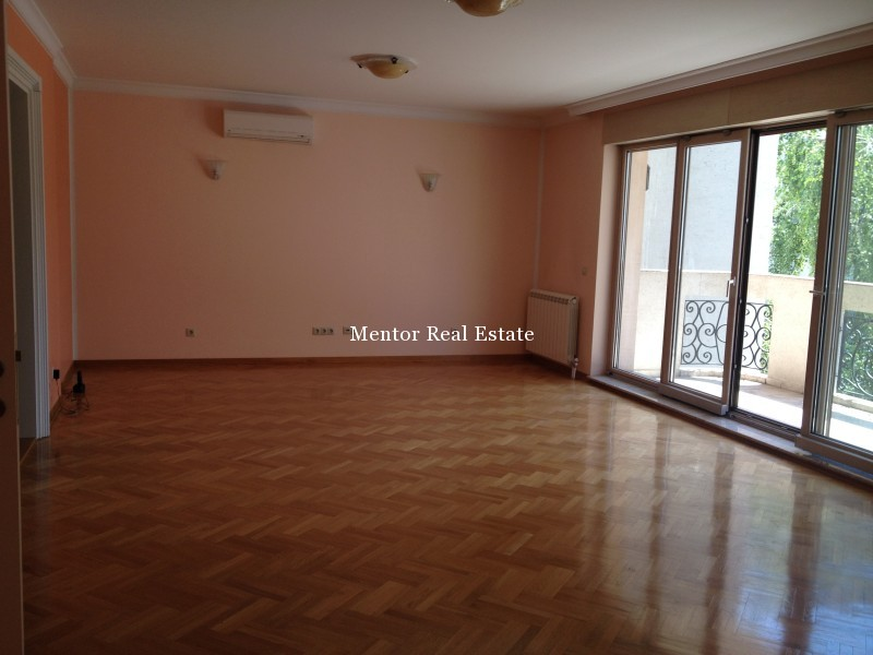 Vračar 140sqm apartmant for rent (26)