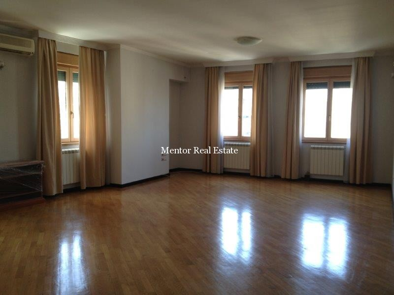 Vračar 160sqm apartment for rent (1)