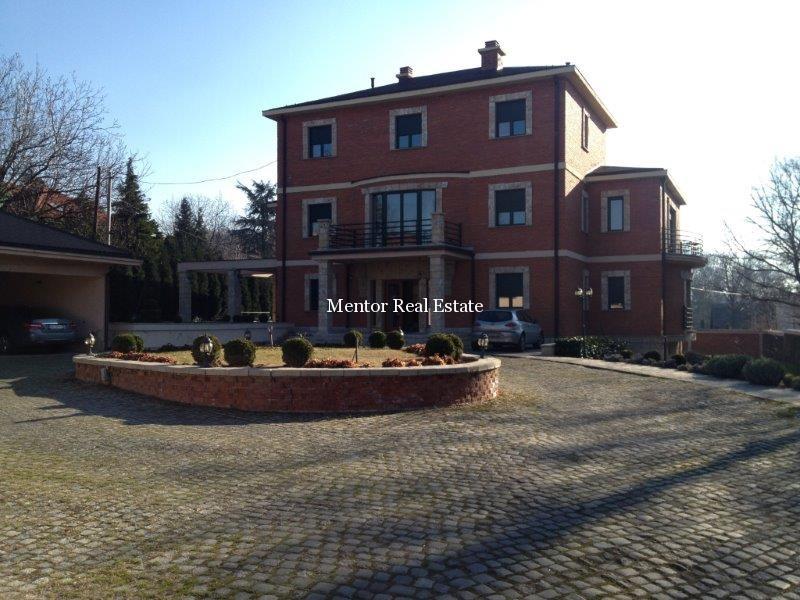 Zvezdara 800sqm house (30)