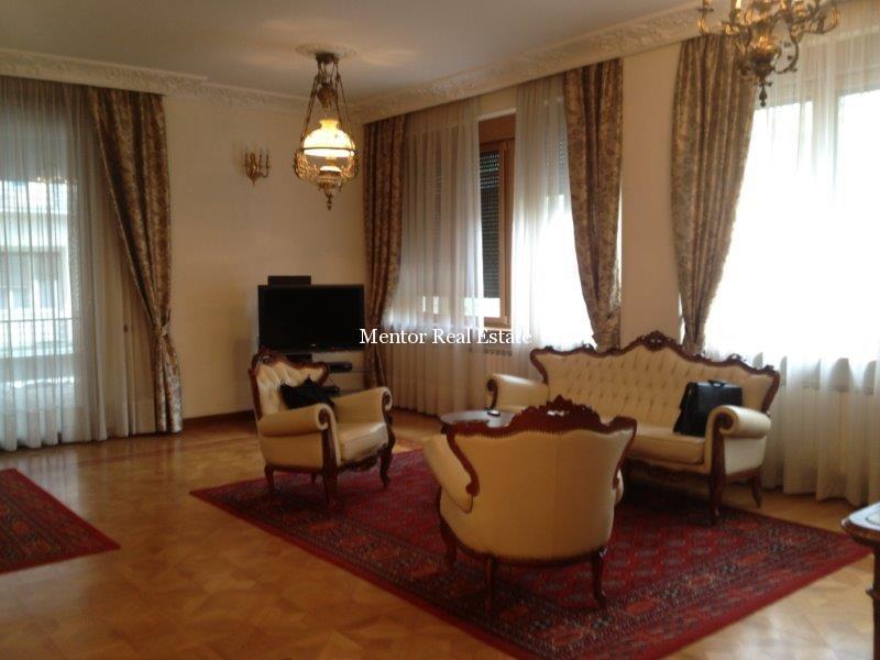 centre 165sqm apartment for rent (1)