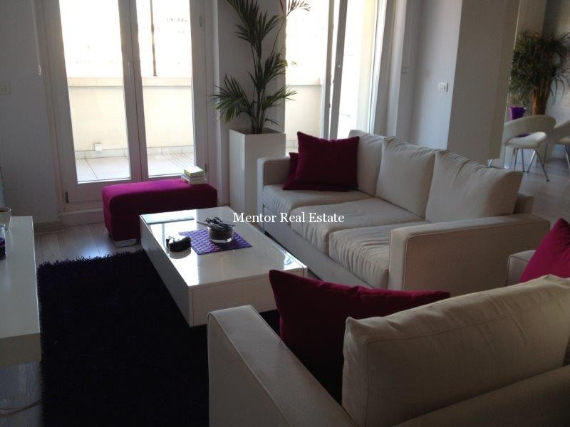 centre, new building 220sqm penthouse for rent (8)