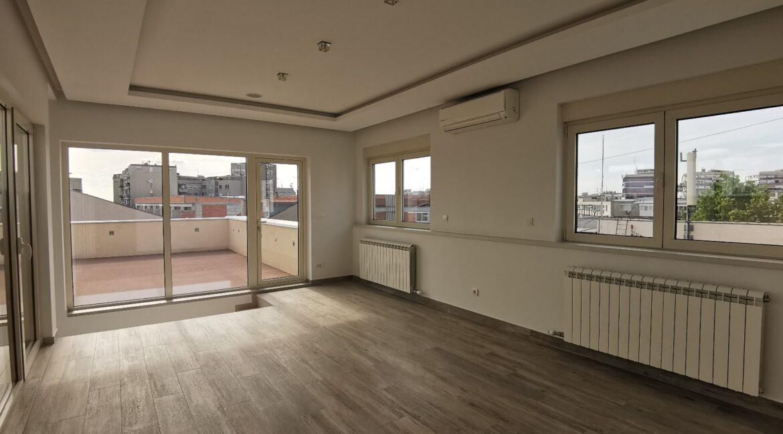 Vračar penthouse for sale