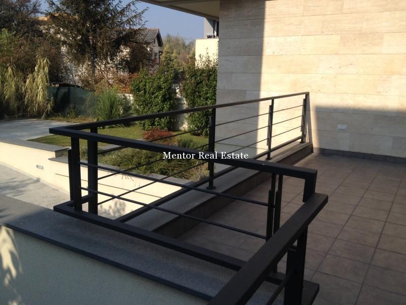 Banovo brdo450sqm house for rent (14)