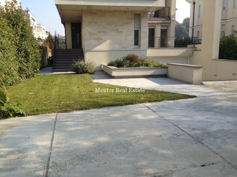 Banovo brdo450sqm house for rent (57)