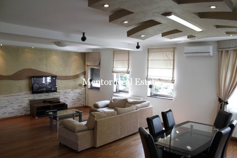 Centre 120sqm apartment for rent (26)