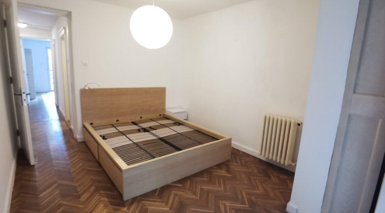 Centre 90sqm apartment for rent (16)