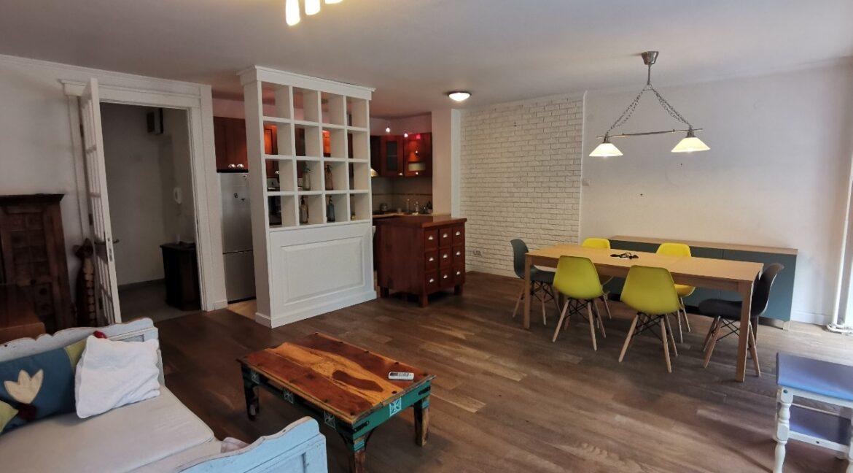 Centre 90sqm apartment for rent (2)