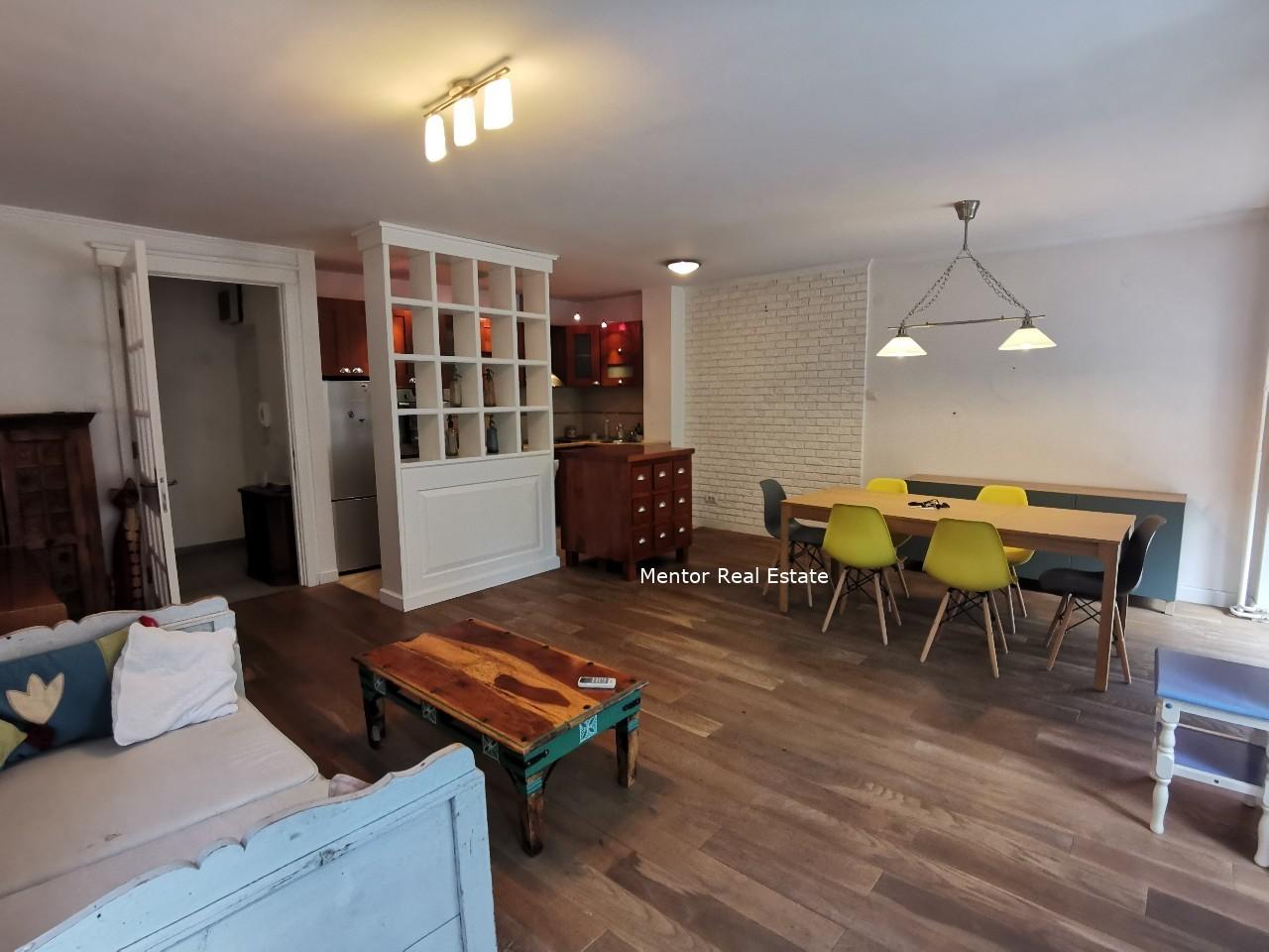Centre 90 sqm apartment for rent