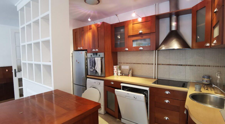 Centre 90sqm apartment for rent (4)