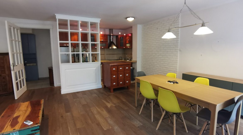 Centre 90sqm apartment for rent (7)