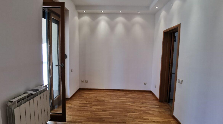 Dedinje 160sqm apartment with garden for rent (16)