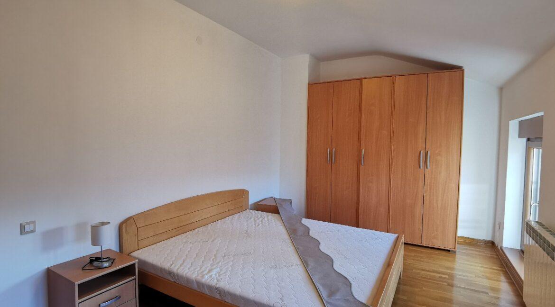 Dedinje 160sqm apartment with garden for rent (29)