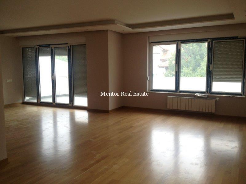 Dedinje 160sqm new apartment for rent (35)