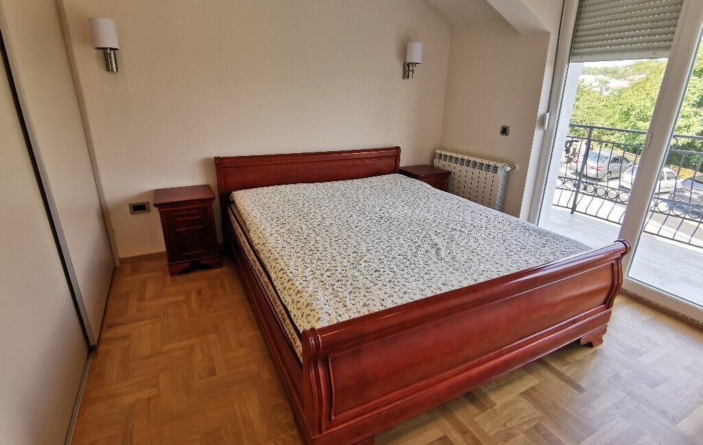 Dedinje 220sqm house for rent (36)