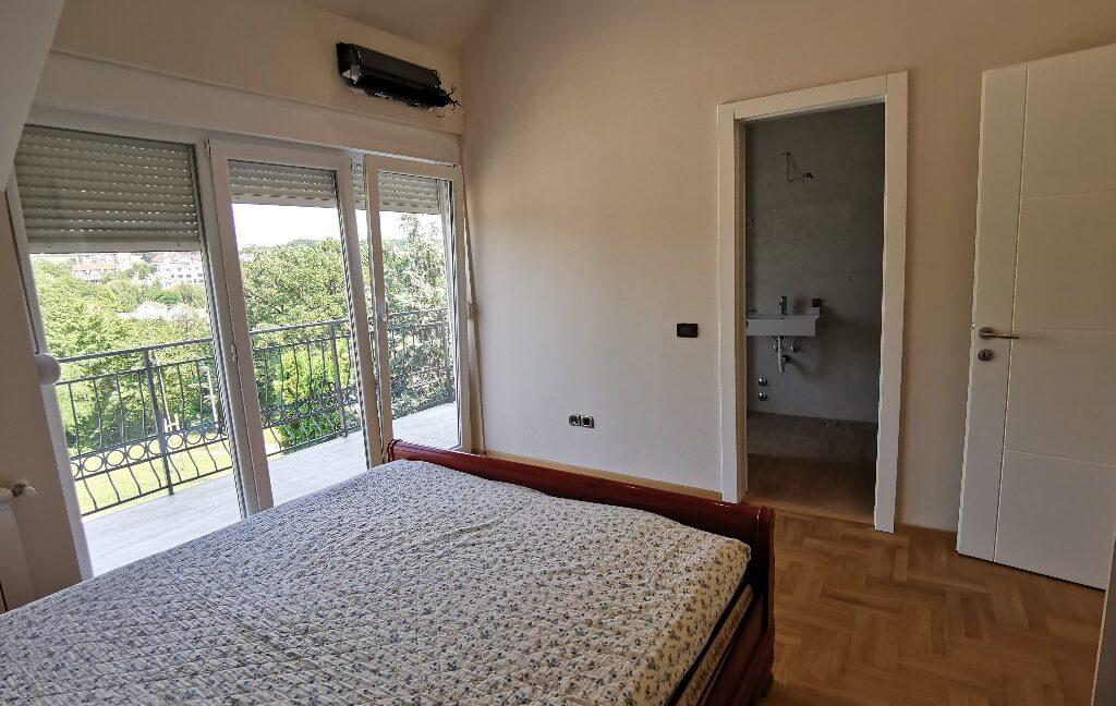 Dedinje 220sqm house for rent (37)