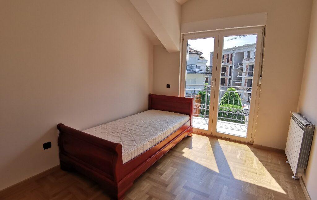 Dedinje 220sqm house for rent (39)