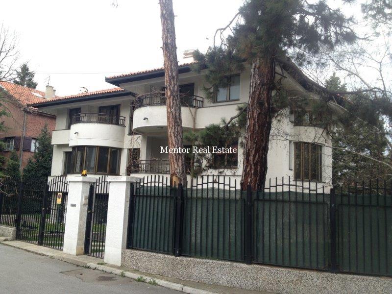 Dedinje 280sqm house for rent (27)