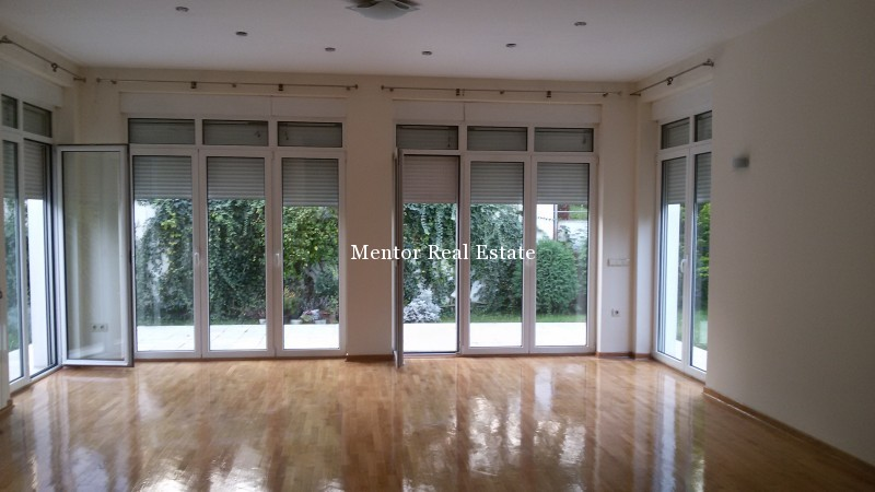 Dedinje 300sqm unfurnished house for rent (1)