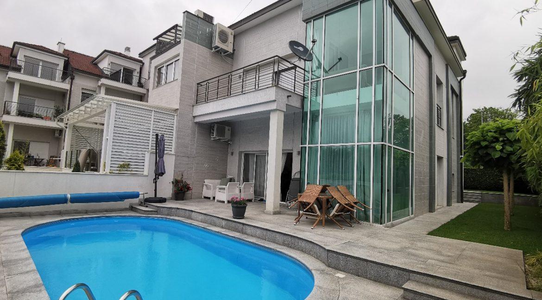 Dedinje House with swimming pool