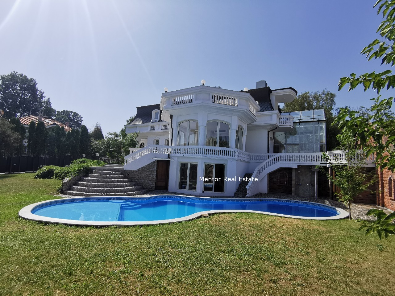 Dedinje luxury house for sale with swimming pool