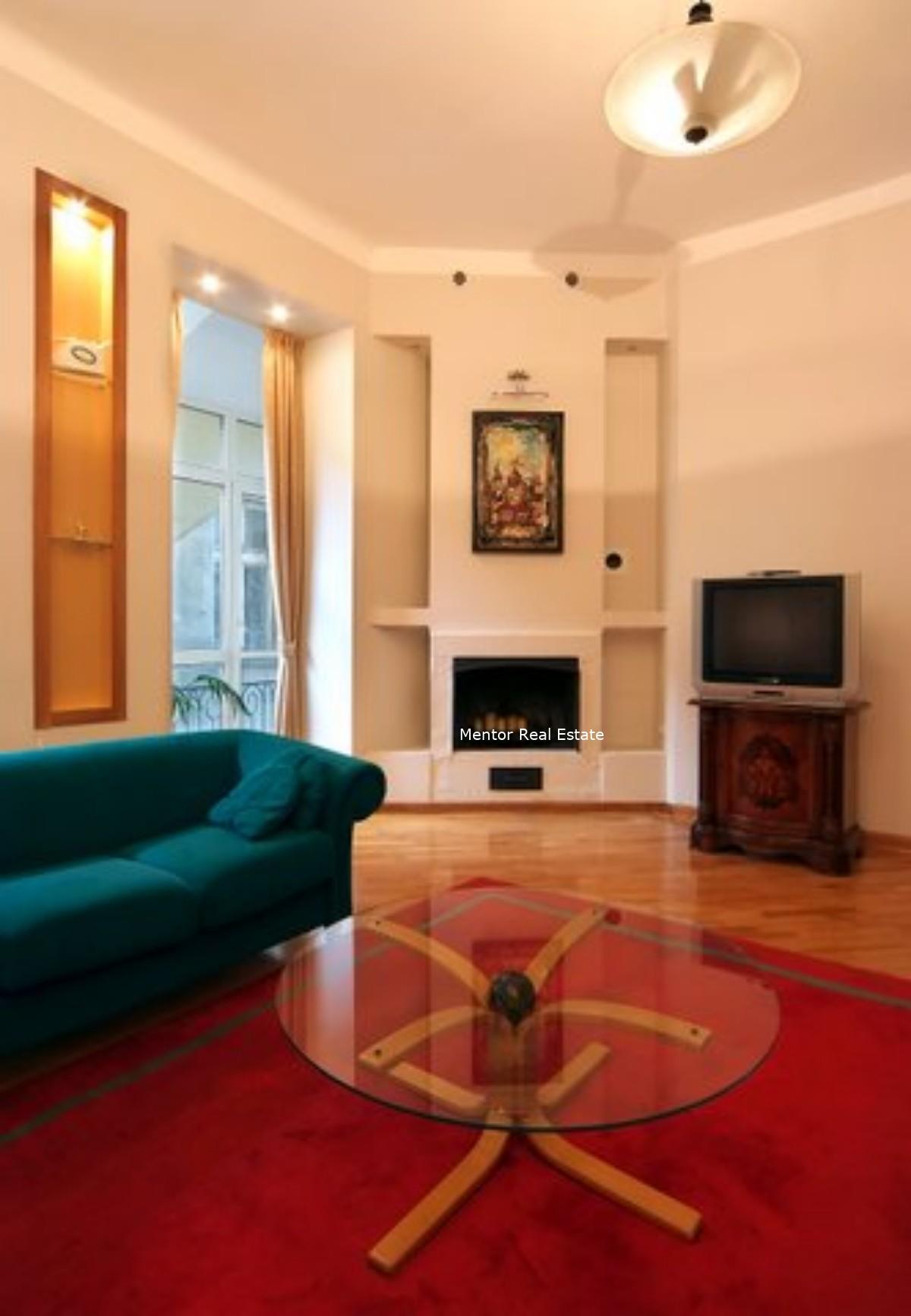 Center, 160 sqm apartment for rent