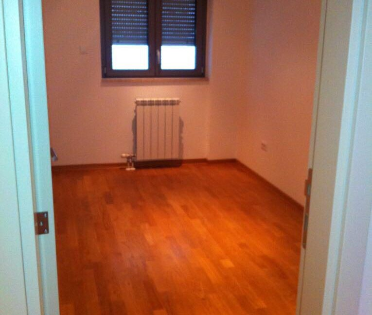 Rent apartment centre (5)