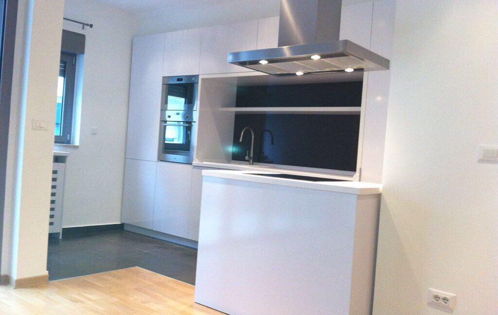 Rent apartment centre (9)
