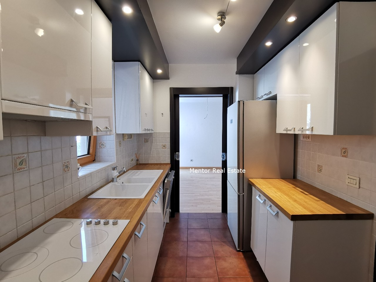 Senjak 280 sqm house for rent