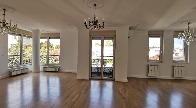 Vračar luxury apartment for rent
