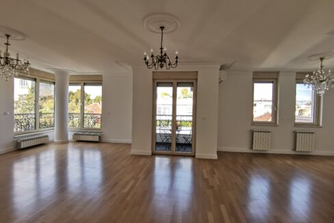 Vračar luxury apartment for rent