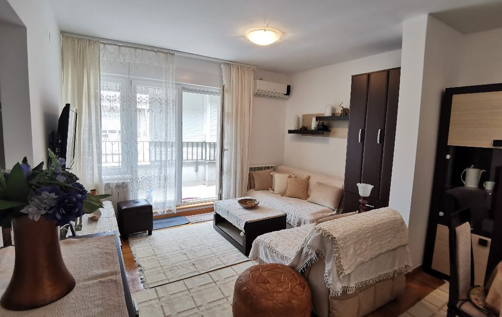 centre 60sqm lux apartment for rent (1)