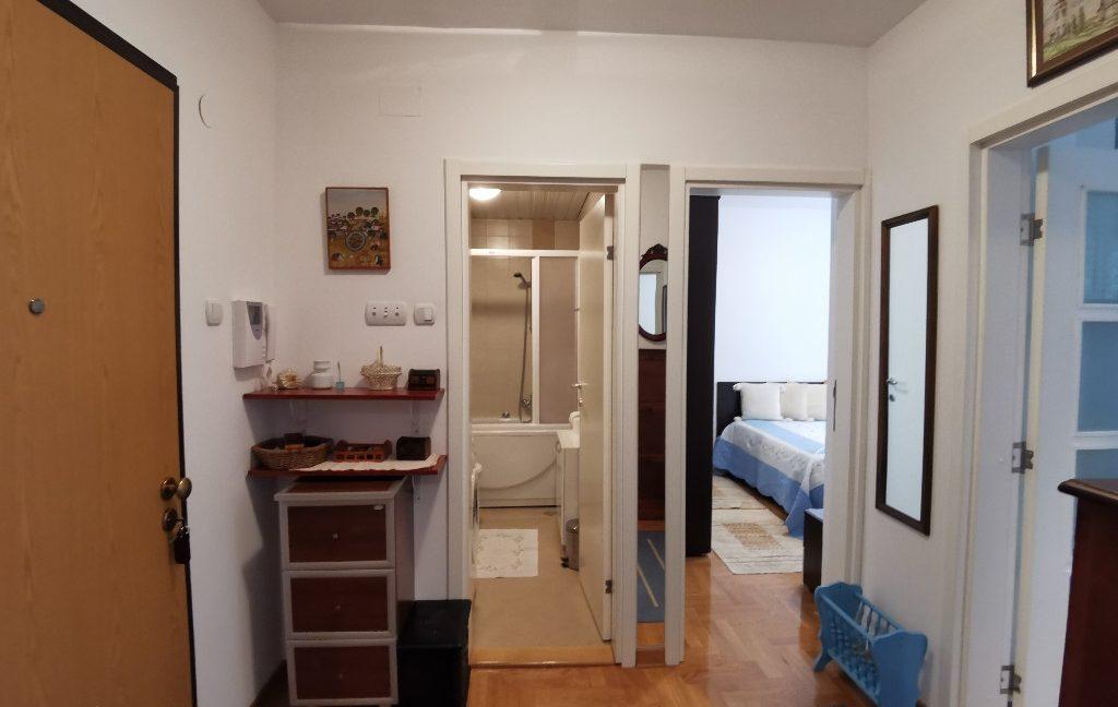 centre 60sqm lux apartment for rent (8)