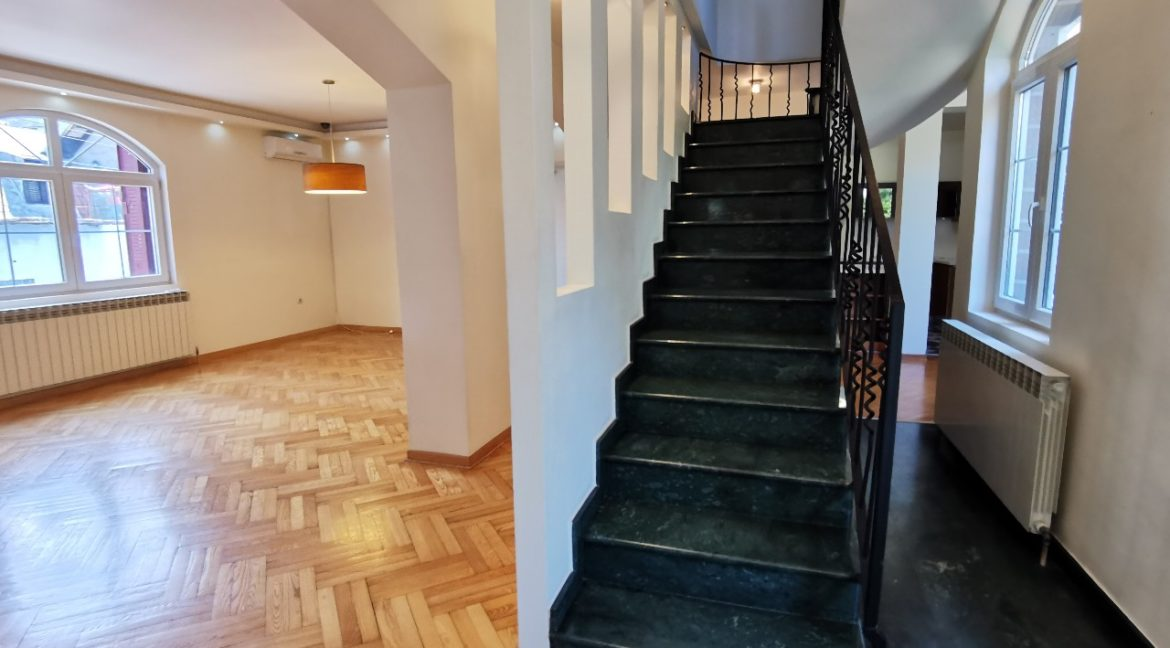 Rent lux house vračar (36)